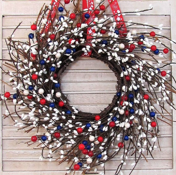 Mini Americana Wreath - Patriotic Pip Berry Wreath
