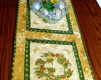 Christmas quilted tablerunner, traditional green and gold Christmas table decor with floral wreath, handmade patchwork table topper