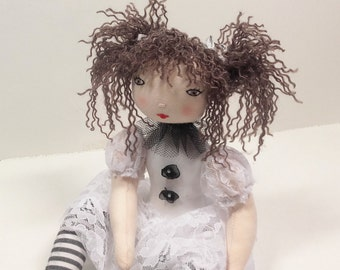 Rag doll sewing pattern– Instand PDF download in English and french – Number 19