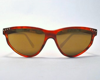 Vintage Glossy Tortoise Triangle Style Sunglasses With Gold Mirror Lenses
