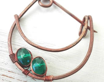 Brooch with beads, brooch jewelry handmade with copper, copper brooch, gift idea for her, green emerald brooch
