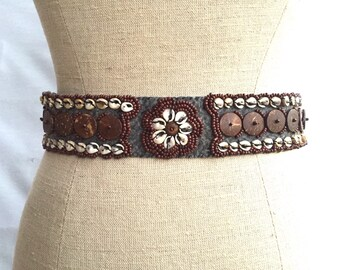 Beaded Belt with Cowry Shelld - Boho Chic Gypsy Belt - Vintage Bohemian Clothing