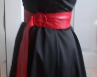 Rockabilly Chic black Vintage dress with visible voile underskirt.