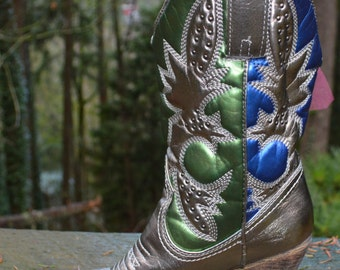 Size 7M - Very Volatile Women's Denver Metallic Boot allllll HAWKED UP