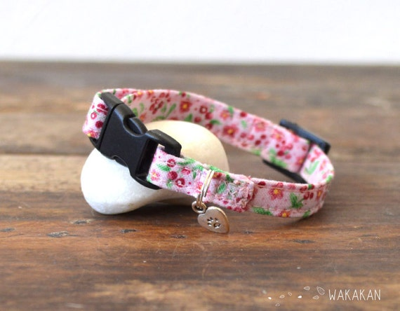 Cat collar Summer Fruits. Very soft. Made with 100% cotton fabric with a safety breakaway buckle. Wakakan