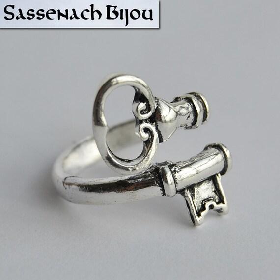 Blade Bow Ring Lallybroch Key Silver Tone Wedding Ring