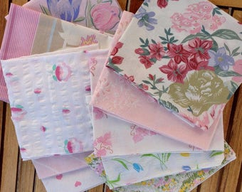 5 vintage fat quarters from 100 % cotton vintage sheets. Pink and white.