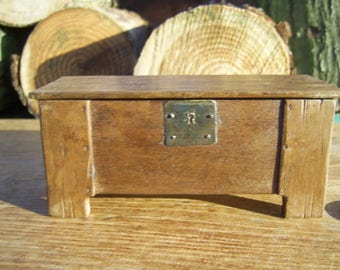 1/12th miniature medieval/tudor wooden Board & Stile chest