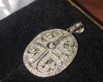 9K White Gold & Diamond Vintage Locket