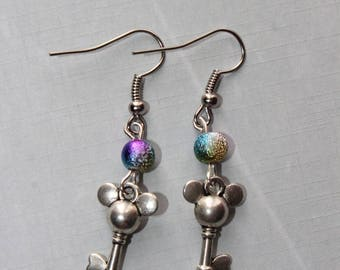 pair of Silver Earring with multicolored Pearl mk key