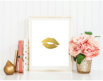 SALE! Gold Lips Print Makeup Fashion Art Prints INSTANT DOWNLOAD Printable, gold kiss decor, gold home decor, gold office decor, Modern Glam