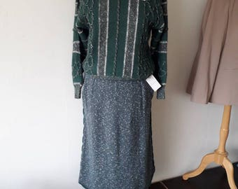 Vintage knitted Skirt and jumper 1970s in green. Size 10