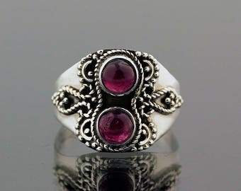 Garnet Silver Ring // 925 Sterling Silver // Ring Size 8 // Handmade Jewelry