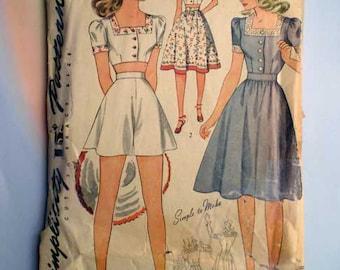 Vintage 40s 3-Piece Playsuit or Dress Pattern 32