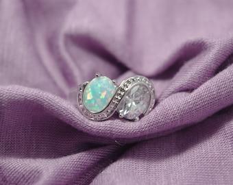 White Opal Topaz Ring, Opal Jewelry, White Rainbow Opal White Topaz Ring, Oval Fire Opal Ring, White Fire Opal Ring Sterling Silver Ring