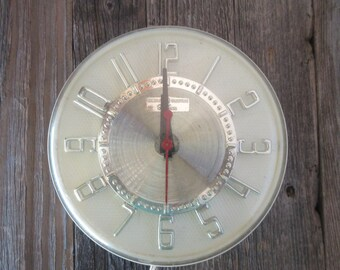 Mid Century Modern GE Telechron Electric Wall Clock Silver and Clear Plastic Runs Great!