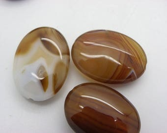 3 agate pendants or charm 25 mm x 18 mm beige caramel agate