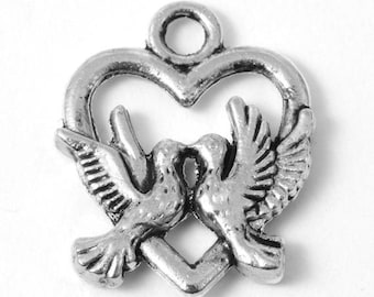 15 Doves Heart Wedding Peace Antique Silver Charms Pendants 15mm x 19mm (804)