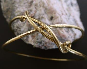 Elegant Crisscross brass bangle, hammered bangle, brass bracelet, brass cuff, double loop, elegant bracelet, gifts under 50 dollars