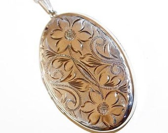 "Vintage Sterling Silver Oval Etched Flower Locket Pendant Necklace 26"" Chain"