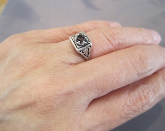 Vintage Art Deco Sterling Garnet Ring