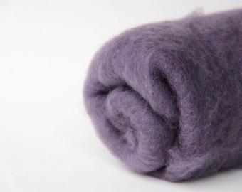 Needle felting wool, 1 oz, fog gray. Maori wool blend of coopworth and corriedale. Needle felting supplies.