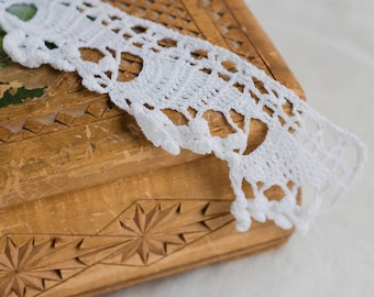 Weiss Lace_handmade Trim_crocheted ribbon_6 cm 2.4'' Wide_triangle Edge_two Pieces_off weißen Saum Trim_multipurpose DIY_with Knöpfe