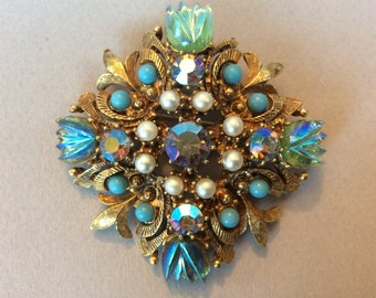 Florenza Iridescent Carnival Glass Large Domed Cabochon Gold Tone Maltese Cross Brooch/Pin