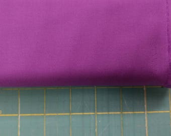 Solid purple fabric. Violet Premium Colorworks quilters cotton quilting 9000 83 Northcott 3255