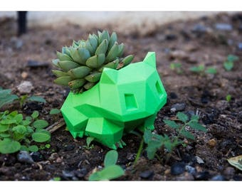 Bulbasaur planter low poly, bulbasaur flower pot, succulent planter, 3d printed planter, pokemon planter, pokemon go, cute succulent planter