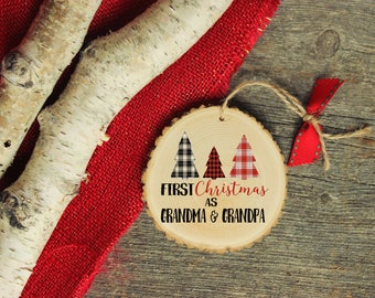 Grand Parents Ornament - Pregnancy Announcement to family - Pregnancy Reveal - Granparents Gift - Gift for Grandma -XMAS050