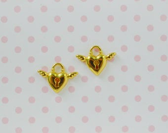 18mm Angel Wing Golden Heart Lock Kawaii Decoden Jewelry Charms - set of 2