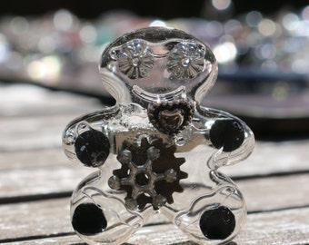 Resin Steampunk Gingerbread Man Brooch, Cogs Resin Brooch, Steampunk Jewellery, Resin Gingerbread man Brooch, Metal Parts jewellery,