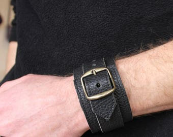 black leather strap. wrist strength; Bracelet of strength; Black Leather Bracelet (102)