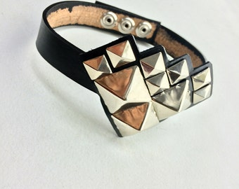 "Handmade Leather Diamond Shape Necktie Collar with 1"" Pyramid Studs - Adjustable / Unisex / OSFM"