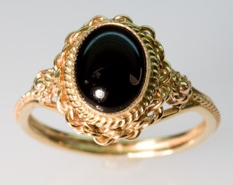 Oval Onyx Ring - in 14K Yellow Gold