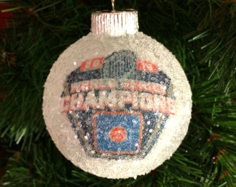 World Series Champions 2016!! Chicago Cubs glass glitter ornament