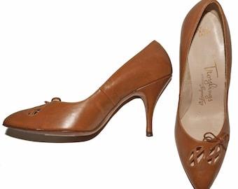 1950s Pump Shoes Sz 6.5-7AAUS Vintage Retro Pinup