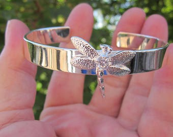 Bright silver plated cuff bracelet DRAGONFLY w. crystal, 925 stamped.