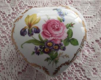 Porcelain Heart Vanity Box Royal Europe