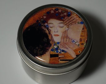 Round Storage Tin Trinket Box Gift Tin Keepsake Box Gift Box Jewellery Box Bits and Bobs Tin Gustav Klimt The Kiss
