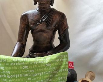 Eye pillows, relaxation, meditation, wellness, lavender, flax seed, wellbeing, OM, Namaste, green