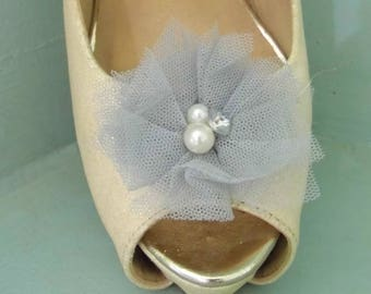Beautiful Deeree Silver Grey Netted Shoe Clips with Pearl & Diamante Centre