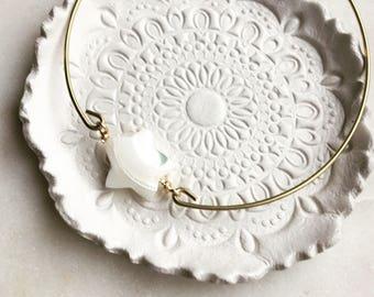 Star bangle in pearl, pearl star bangle, pretty modern jewelry