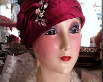 Vintage 1920's Cloche Hat