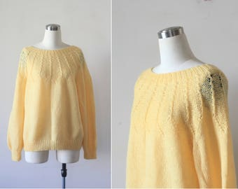 vintage hand-knitted sweater light yellow knit hand knitted pastel pullover soft wool sweater oversized M L