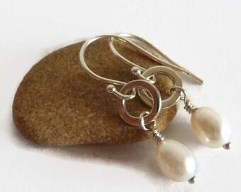 June Birthstone, Pearl Earrings For Her, Freshwater Pearl Earrings, Ivory Pearl Earrings, Silver Ivory Earrings, Wire Wrapped Earrings
