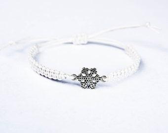 Snowflake Bracelet, Snow Bracelet, Snowflake Jewelry, Winter Bracelet, Winter Jewelry, Christmas Bracelet, Stocking Stuffer, Macrame