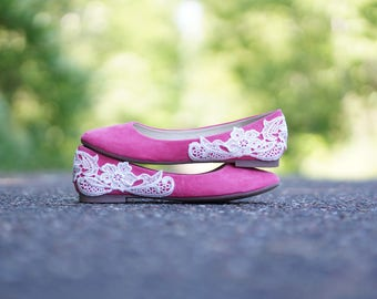Coral Wedding Shoes, Wedding Flats, Coral Flats, Bridal Flats, Bridal Shoes, Bridesmaid Gift, Ballet Flats,Low Wedding Shoes with Ivory Lace
