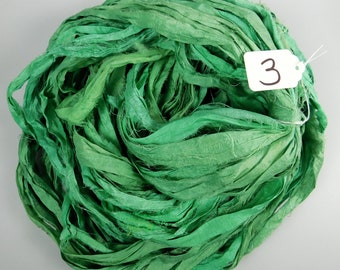 Silk Sari Ribbon, Sari silk ribbon, Emerald green sari ribbon, silk ribbon, rug supply, knitting supply, rag ribbon, crochet supply